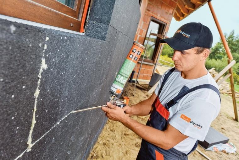 Fachowa instalacja systemu ETICS zapewni komfort cieplny izmniejszy zużycie energii potrzebnej doogrzewania domu