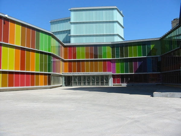 Muzeum Sztuki Współczesnej Castilli i León (MUSAC, Museo de arte contemporáneo de Castilla y León), León ´Hiszpania, proj. Mansilla Tuńón