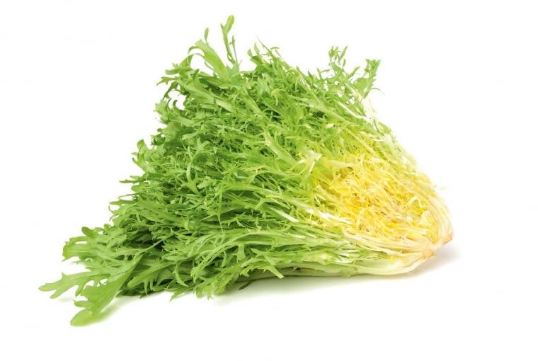 Endywia to gatunek cykorii. Popularna odmiana tworzy postrzępione zielono-kremowe rozety. Ich środkowe, białe liście są mniej gorzkie od zielonych. Jada się ją jak sałatę, ale ma więcej wartości odżywczych ijest trwalsza.