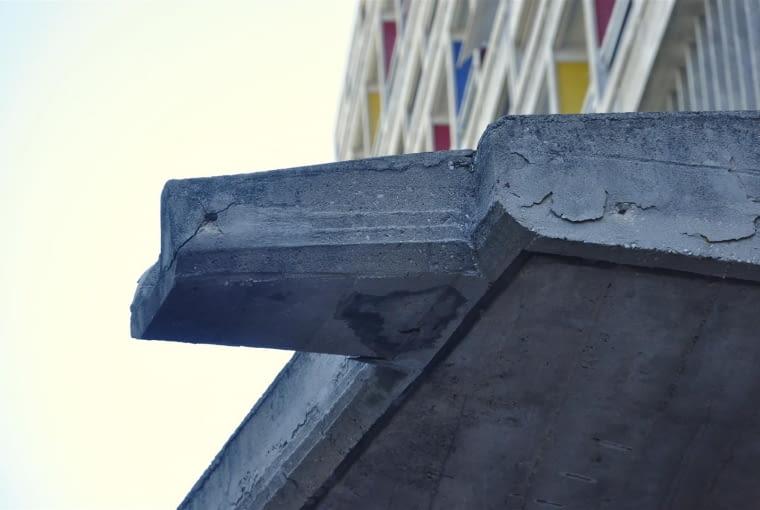 """Jednostka Marsylska, proj. Le Corbusier - detal """"kaszkietu"""" - rzygacz"""