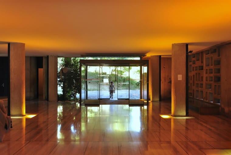 Jednostka Marsylska, proj. Le Corbusier - foyer, wejście główne