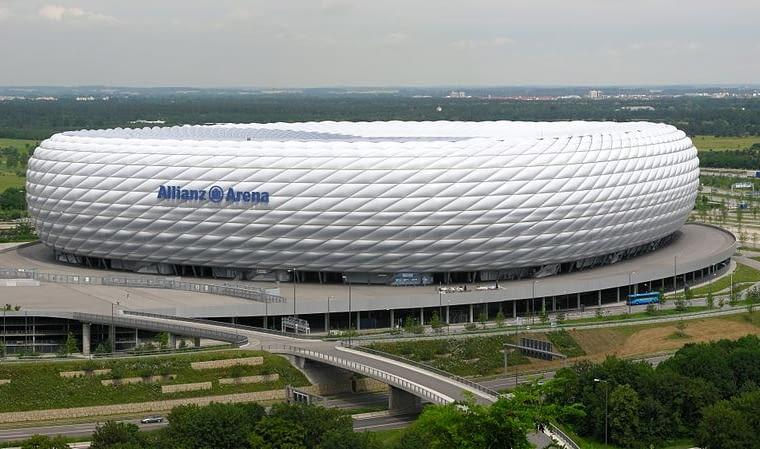 Allianz Arena, Monachium, Niemcy, 2005, proj. Herzog & de Meuron