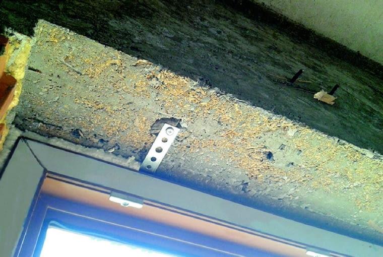 Kotwa zamocowana w otworze zaślepionym kołkiem drewnianym nie będzie trwale mocowała stolarki