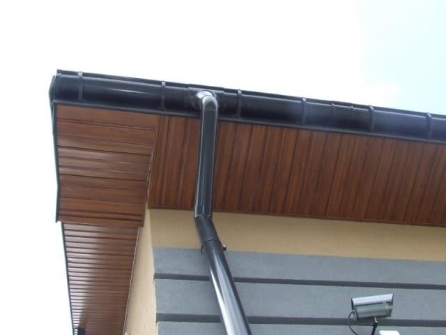 podbitka dachowa, okap dachu, podsufitka