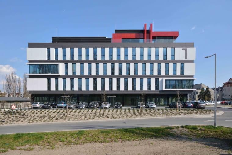 Kompleks budynków biurowo-usługowych przy ul. Zwycięskiej we Wrocławiu. Proj. A2+I Paradysz & Mikołajczyk.