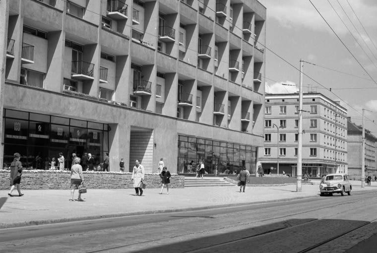 Galeriowiec, ul. Kołłątaja, 1962 (projekt 1956)