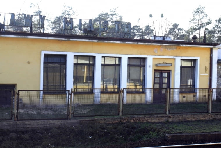 Dworzec w Puławach, dziś już w trakcie rozbiórki