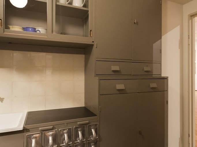 Rekonstrukcja Kuchni Frankfurckiej na wystawie w Museoum of Modern Arts w Nowym Jorku