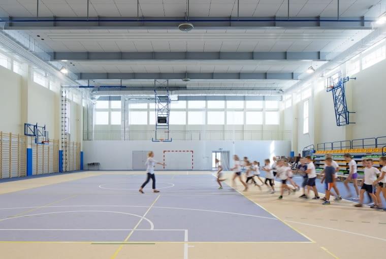 Budynek zespołu szkolno - przedszkolnego wraz ze żłobkiem i świetlicą wiejską w Wysokiej Projekt: Metropolis - Biuro Architektoniczne