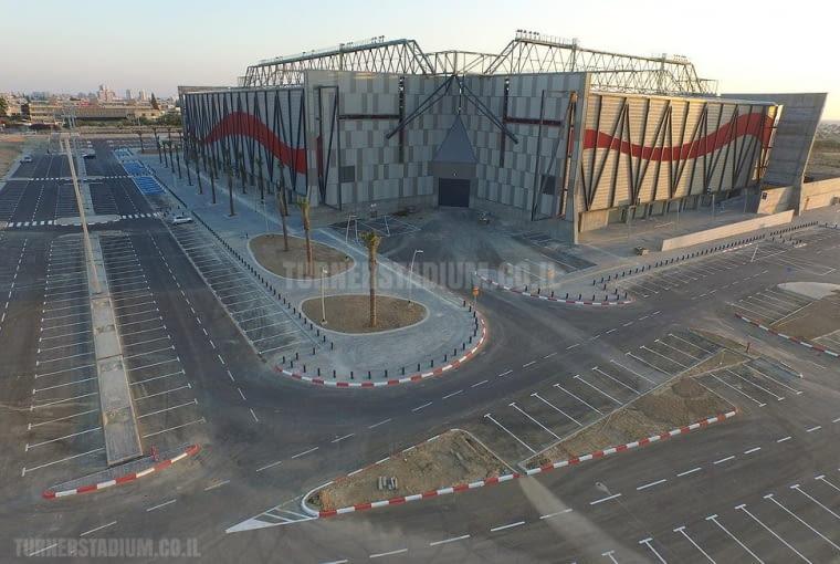 Toto Jacob Turner Stadium, Be'er Shewa - Izrael (IV nagroda w głosowaniu internautów) - To niewielki stadion oferujący nieco ponad 16 tysięcy miejsc na widowni, który znalazł uznanie w głosowaniu internautów, jury natomiast sklasyfikowało go poniżej finałowej dziesiątki.