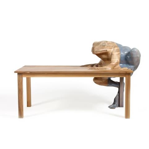 stół Frog; projekt: Hella Jogerius dla Galerie Kreo
