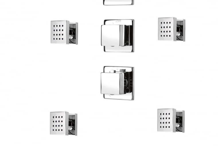 Multi-System. Panel z baterią termostatyczną, stalową głowicą 30 x 30 cm, 6 dyszami natryskowymi, słuchawką na przyłączu kątowym.Cena: 2589 zł DEANTE www.deante.pl
