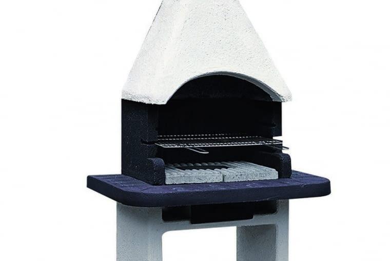 7. betonowy grill stacjonarny z chromowanym rusztem, wyłożony płytkami szamotowymi, ok. 1000 zł, Praktiker