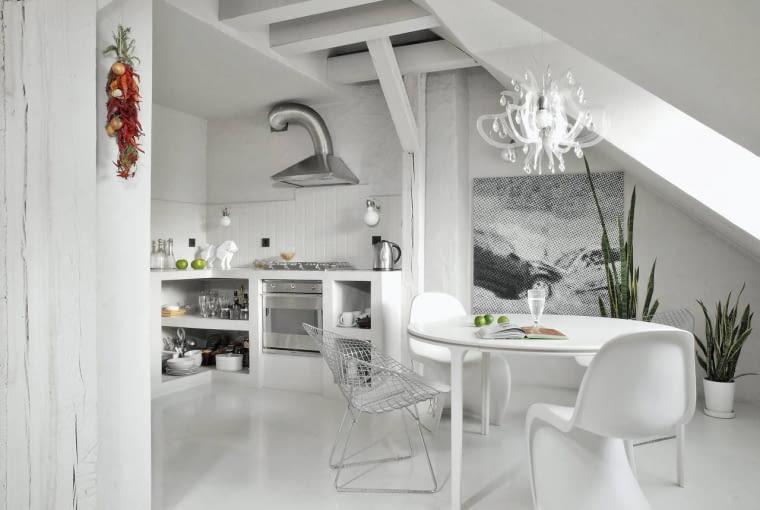 INSPIRACJE: Polskie wnętrza z białymi podłogami.