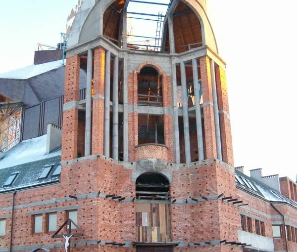 Kościół Opatrzności Bożej na Nowym Dworze - wejście główne
