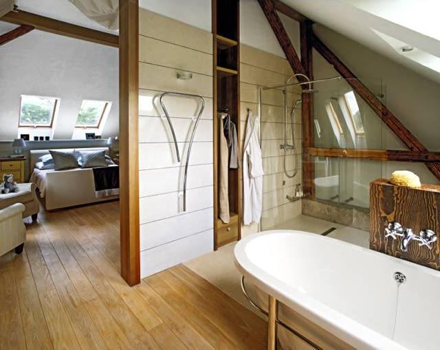 Pomieszczenia na najwyższej kondygnacji domu powstały w wyniku adaptacji poddasza.