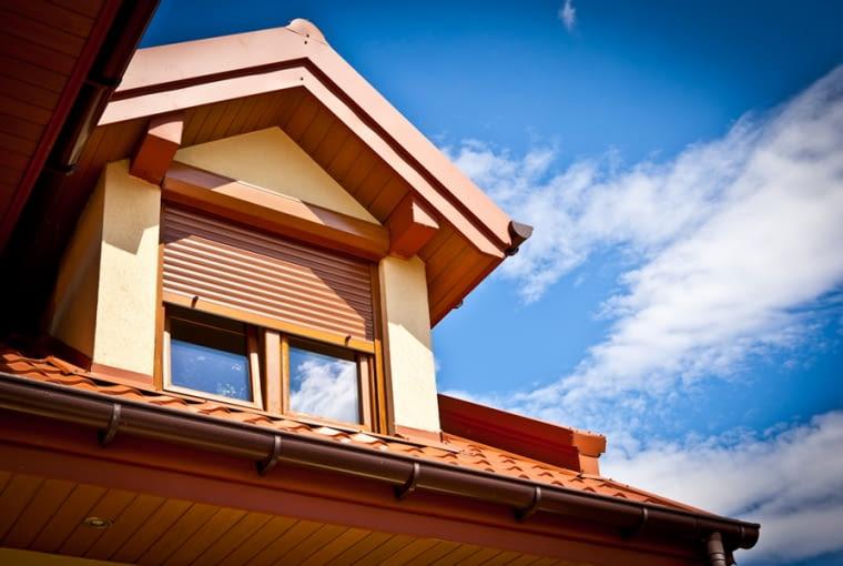 rolety zewnętrzne, lukarna, dach