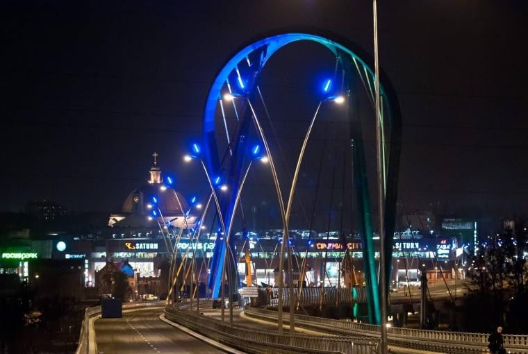 28.11.2013 Bydgoszcz . Oswietlenie Trasy Uniwersyteckiej . Fot. Tymon Markowski / Agencja Gazeta