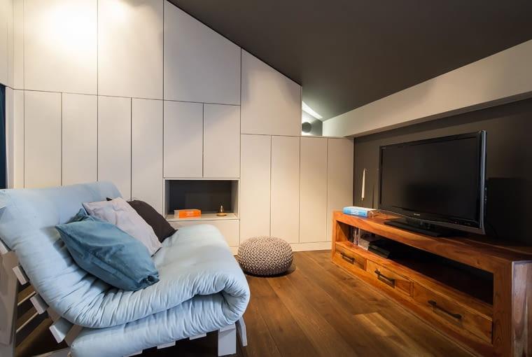 Sofa z białych palet