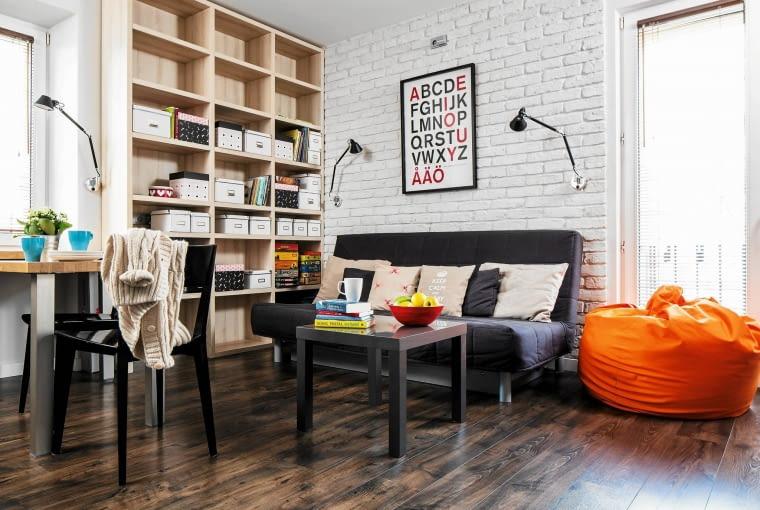 mały salon w bloku, aranżacje