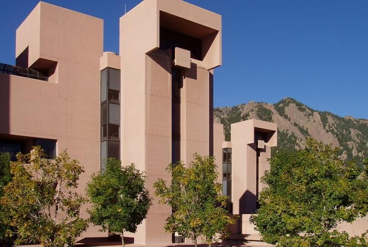 National Center for Atmospheric Research - Colorado (USA). Proj. I. M. Pei