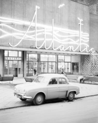 atlantic, kino, warszawa, neon