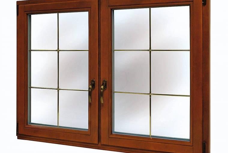 Okno z metalowymi szprosami, prod. Drutex