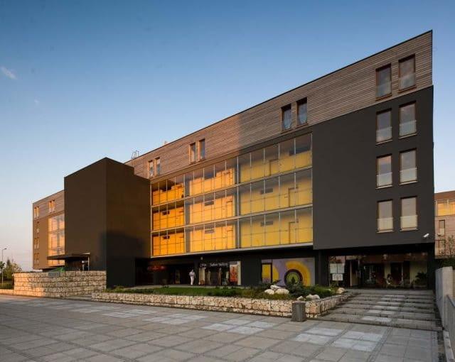 Główny budynek kompleksu