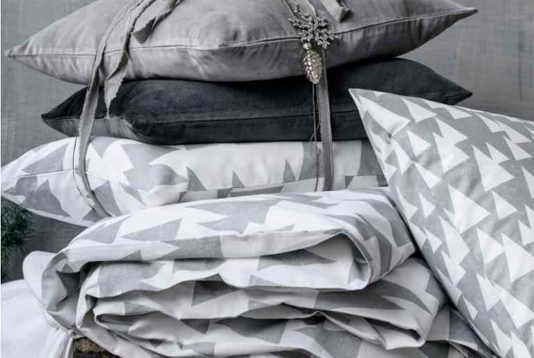 Aksamitna szara poduszka, 29,90 zl, H&M Home