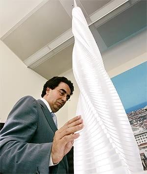 Santiago Calatrava i model Torre Del Ave