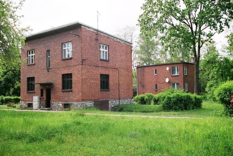Chełmek, dwurodzinne domy dla pracowników