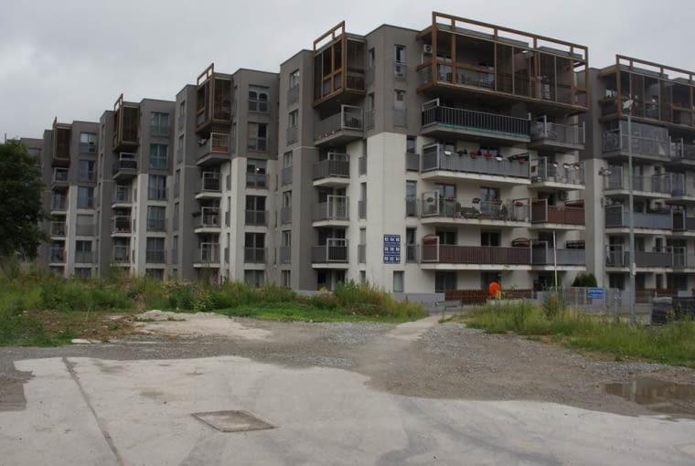 Osiedle mieszkaniowe w Krakowie.
