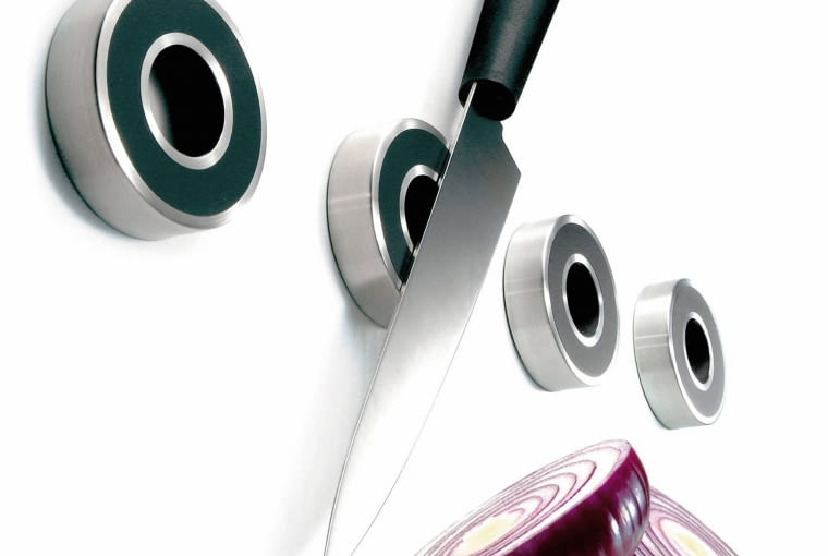 Pasuje tu także... uchwyty magnetyczne na noże - 396 zł/komplet, Fabryka Form.