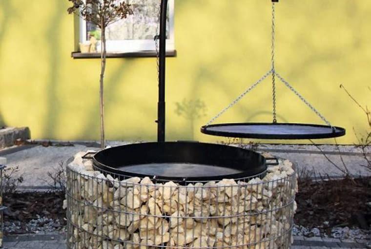 Ta obudowa studni może służyć za grill; ok. 600 zł, www.stalmex.eu