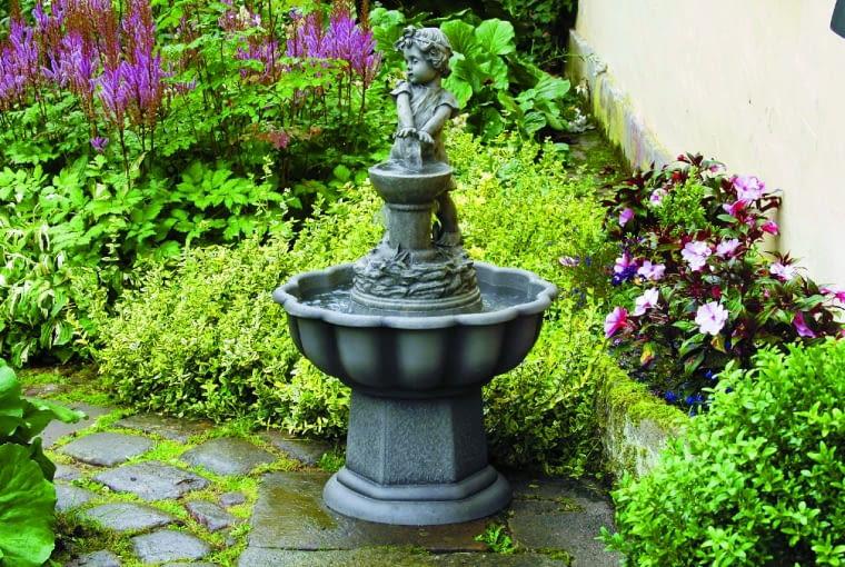 Taki wodny detal pasuje do zakątków w romantycznym stylu.
