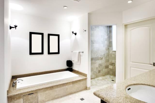 W osobnym pomieszczeniu - wygodne rozwiązanie do dużej łazienki