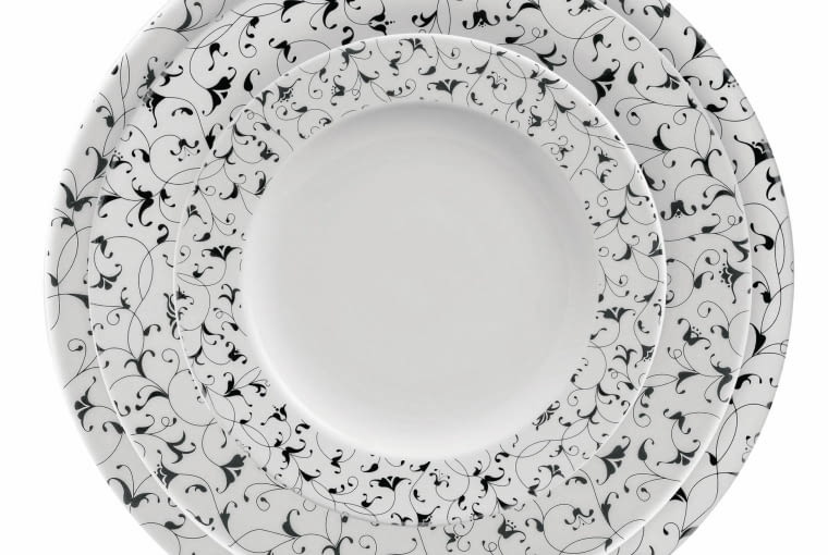 Zestaw talerzy, porcelana Ćmielów, 125 zł/4 szt.