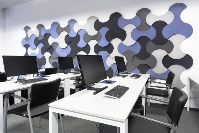 Panele akustyczne mogą pełnić także funkcję dekoracyjną.