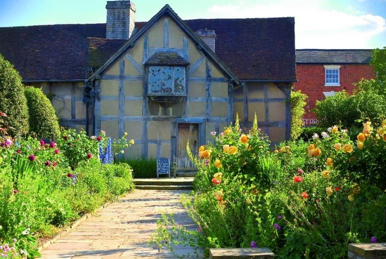 Stratford nad rzeką Avon - w tym domu urodził się Szekspir.