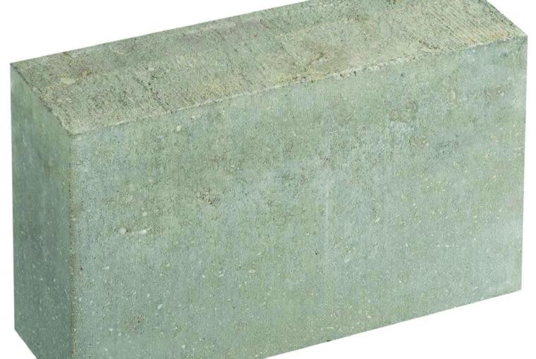 Bloczki betonowe ze względu na korzystną cenę są najczęściej stosowanym materiałem do wznoszenia ścian fundamentowych
