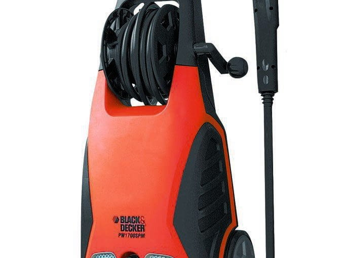 PW1700SUPREME, ciśnienie 130 barów, wydajność 370 l/h, waga 10,4 kg, ok. 400 zł, Black&Decker