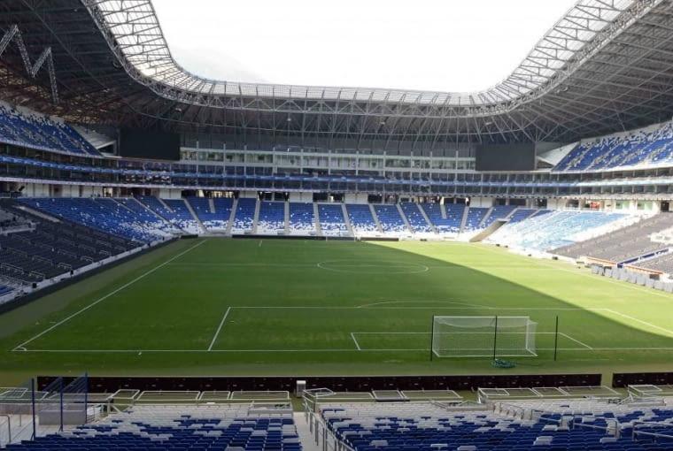 Estadio BBVA Bancomer, Montenerry - Meksyk (I nagroda w głosowaniu internautów, II nagroda w głosowaniu jury) - Prace projektowe przy budowie stadionu rozpoczęły się już w roku 2008, budowa wystartowała w 2011, a dla kibiców otwarty został latem zeszłego roku.
