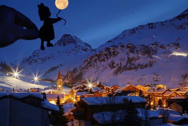 Val d Isere nocą, France