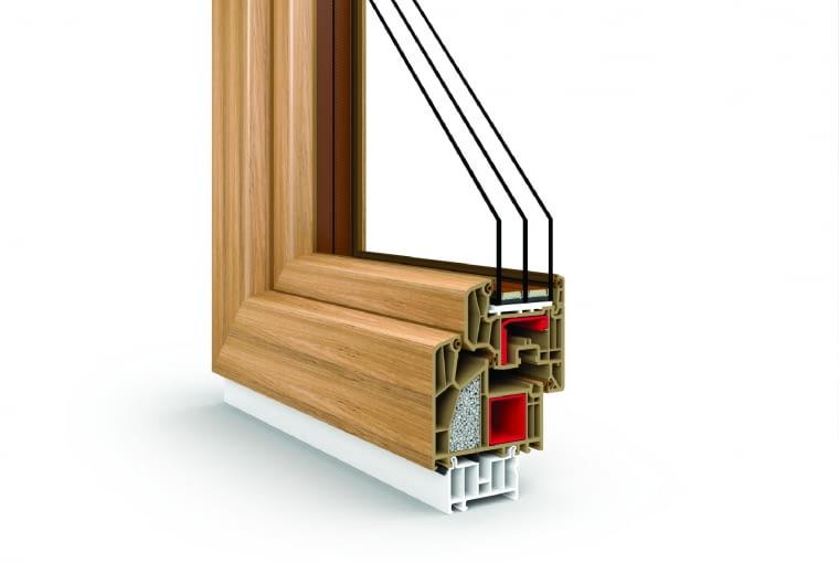 WYCENA FIRMY Vetrex www.vetrex.com.pl Propozycja 2. System: V90+, sześciokomorowe profle klasy A z klinem izolacyjnym, potrójny układ uszczelek (w tym środkowa) z EPDM Kolor: winchester Pakiet szybowy: dwukomorowy z ciepłą ramką Master therm; Ug = 0,5 W/(m2K), Lt = 72-74%; okucia Roto NT Designo z ukrytymi zawiasami, trzy zaczepy antywyważeniowe w skrzydle, klamka Swing Secustik, stopniowany uchył lub blokada błędnego położenia klamki, stabilizator uchyłu, mikrowentylacja; Uw = 0,73-0,89 W/(m2K) Cena: 13 919,64 zł