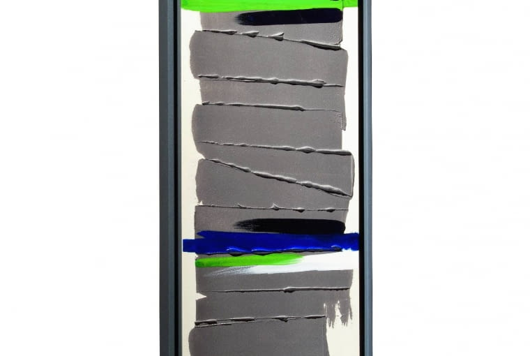 Greenor Cheyenne, grzejnik jak obraz. Płyta wykonana ze zmielonego, a następnie utwardzonego poprzez wypalanie kamienia, ręcznie ozdobiona abstrakcyjną kompozycją przez malarkę Johanne Cinier, Cinier, cinier.com