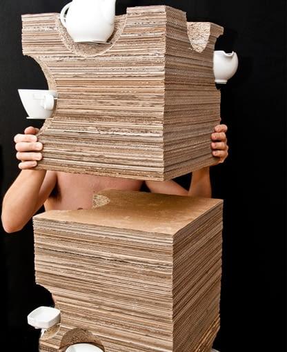 Mebel przeznaczony do ekspozycji porcelany, proj: stud. Kamil Domachowski; współpraca: stud. Maciej Busch; fotografia: Michał Podgórczyk