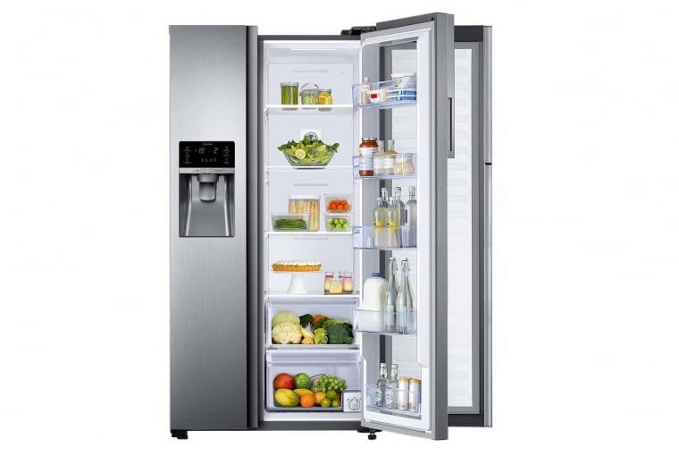 Lodówkę RH58K6317SLZS łatwo dostosujemy do swoich potrzeb. Dodatkowe drzwi Food ShowCase dzielą jej wnętrze na dwie strefy - z przodu przechowuje się produkty, po które sięgamy najczęściej. Dzięki temu w wewnętrznej części, rzadziej otwieranej, utrzymuje się optymalna temperatura chłodzenia, a nasza żywność dłużej zachowa świeżość i smak, Samsung, samsung.com/pl