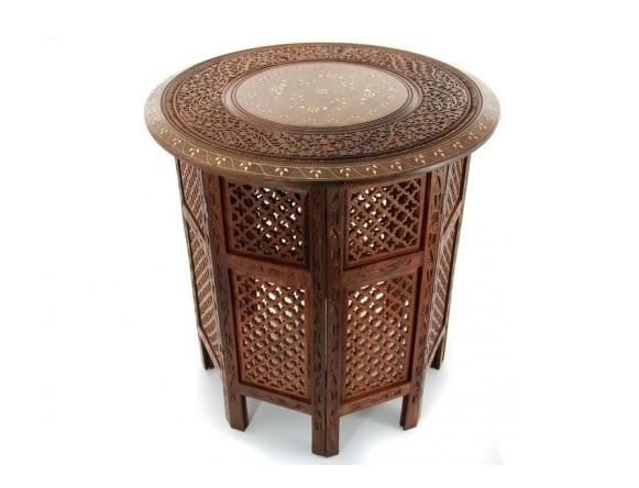 W stylu tego wnętrza: stolik, drewno egzotyczne, wys. 55 cm, etnoswiat.pl, cena: 315 zł