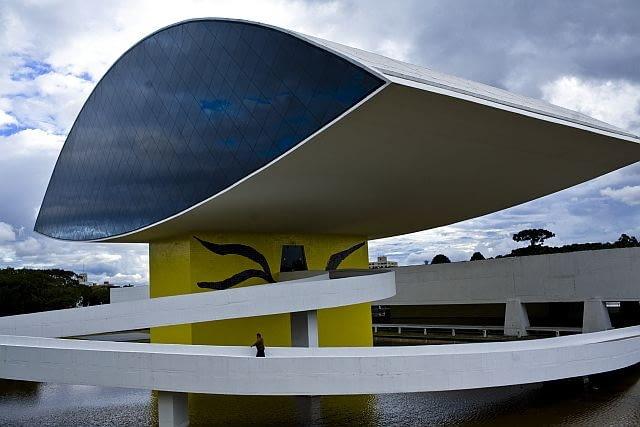 oskar niemeyer, kurytyba, architektura, museum, modernizm