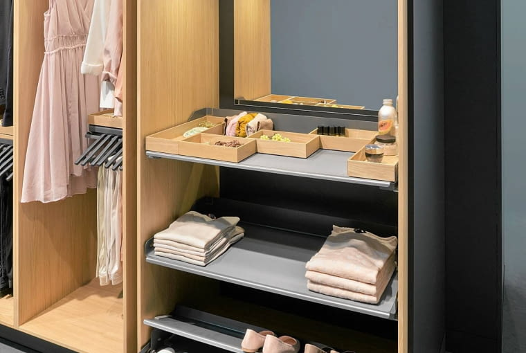 Wnętrze wzorcowej garderoby